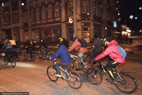 """Почему барнаульские велосипедисты участвуют во всероссийской акции """"Час Земли"""""""