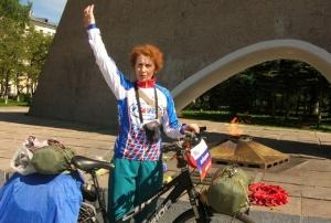 Пенсионерка из Твери доехала на велосипеде до Владивостока