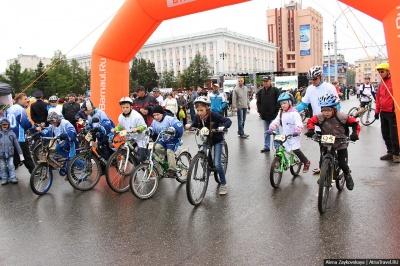 Велосипедный праздник на День Города: пробег, гонка и драг-рейсинг