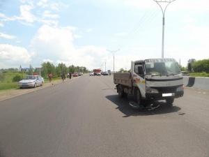 На трассе М52 грузовик сбил двух детей, ехавших на велосипеде