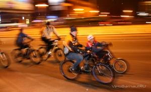 Барнаульские светлячки на велосипедах в «Час Земли»
