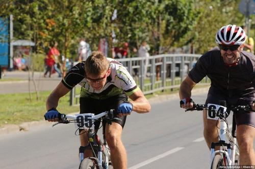 День Города по-велосипедному: пробег, гонка и драг-рейсинг