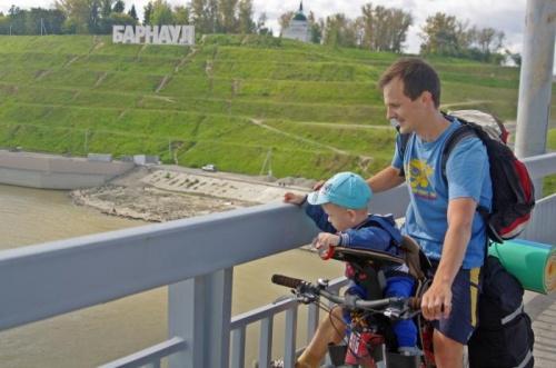 Выбор велосипедного кресла для малыша: Рекомендации барнаульских активных родителей к летнему сезону