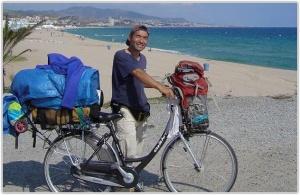В китае украли велосипед у кругосветного путешественника
